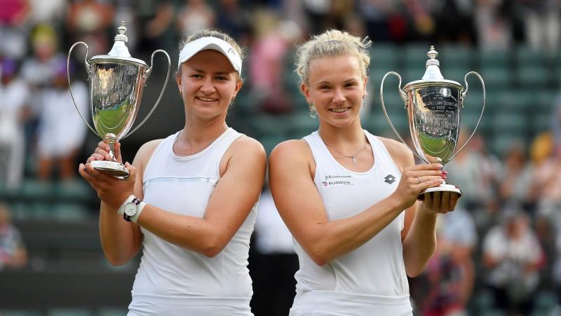 "Krejčīkova un Sinjakova ""French Open"" titulam pievieno Vimbldonas kroni"