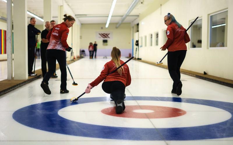 Kuras komandas pārstāvēs Latviju Eiropas kērlinga čempionātā Igaunijā, skaties finālspēļu tiešraidē