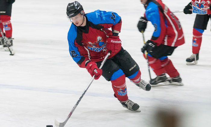 """Pagājušās sezonas OHL labākais uzbrucējs Ribčiks atgriezies """"Zemgale""""/LLU"""