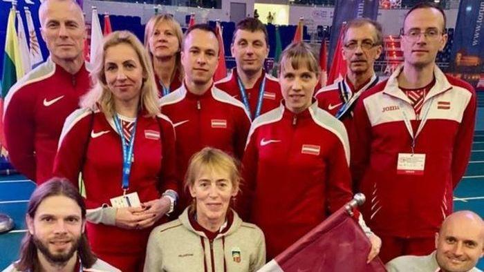 Latvijas vecmeistariem 11 zelta medaļas pasaules čempionātā telpās