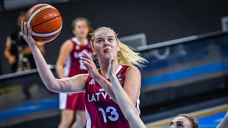 Latvija pēdējās astoņās minūtēs apstājas un netiek uz Pasaules U17 kausu