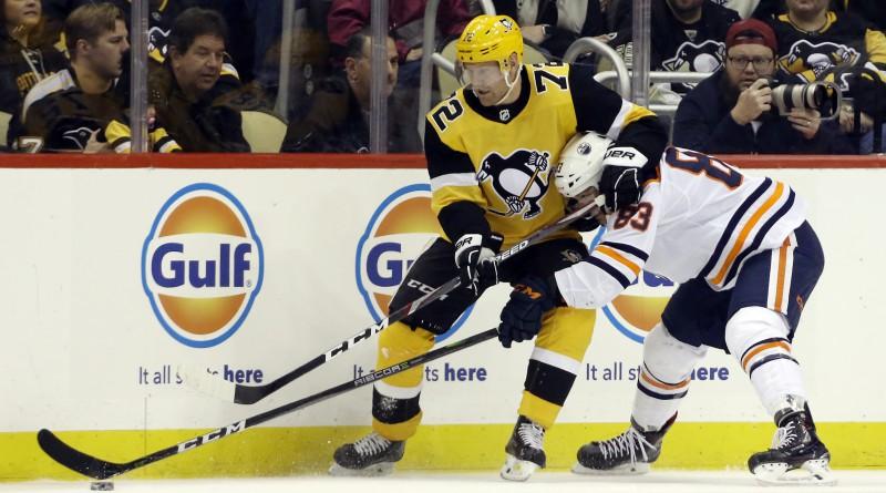 """Pitsburgas """"Penguins"""" otrās maiņas uzbrucējs Hērnkvists savainojuma dēļ izlaidīs ilgāku laiku"""