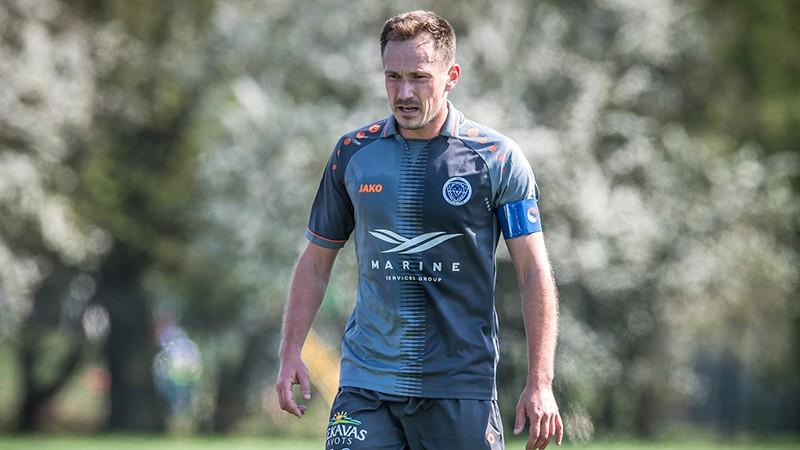"""Čempione """"Riga"""" šķiras no kapteiņa un vairākiem pieredzējušajiem futbolistiem"""