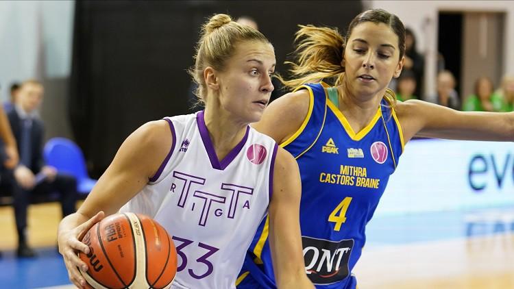 """Sietla, Kitija un """"varenās pīles"""". Kas notiks WNBA draftā?"""