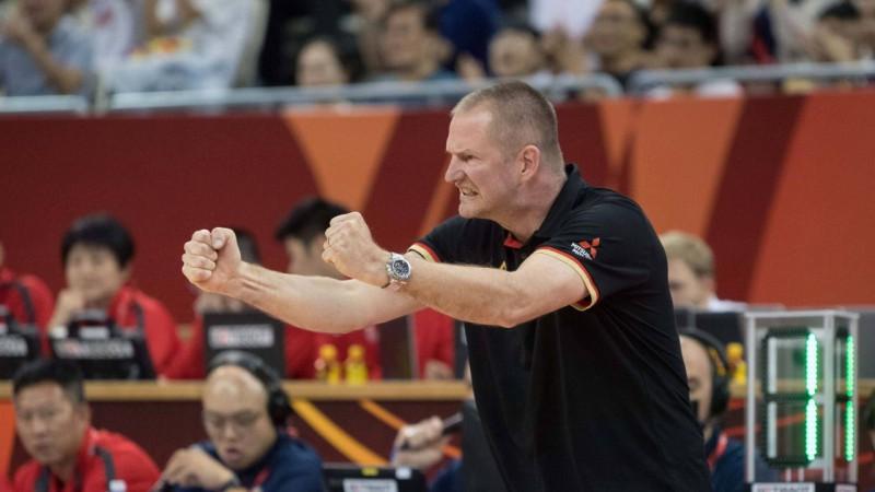 Vācija pagarina līgumu ar izlases treneri Rēdlu