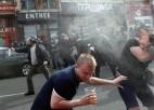 Lillē pēc krievu mača policija izmantojusi asaru gāzi