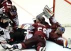 Lielisku spēli demonstrējošie latvieši tikai pagarinājumā piekāpjas Kanādai