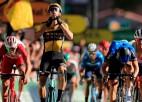 """""""Tour de France"""" kopvērtējumā lielas izmaiņas sānvēja dēļ, latviešiem atzīstams sniegums"""
