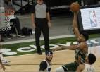 """Kurucs spēlē mača galotnē; """"Bucks"""" ar 38 punktu pārsvaru grauj """"76ers"""""""
