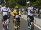 """Pogačars otro gadu pēc kārtas triumfē """"Tour de France"""", Kavendišam izpaliek rekords"""