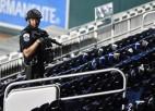 MLB spēle Vašingtonā apturēta ārpus stadiona notikušas apšaudes dēļ