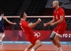 Polijas volejbolisti izgāž dusmas pār Itāliju, Brazīlija atspēlējas no 0-2 un uzvar