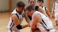 """""""Swedbank"""" basketbolisti ar lielu pārsvaru gūst otro uzvaru Banku kausā"""