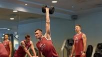 Dienasgrāmata: Latvijas volejbolisti EČ priecīgi par skatītāju klātbūtni Tallinā
