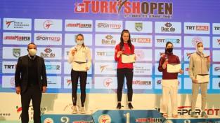 Inese Tarvida ar sev neraksturīgu sitienu izrauj vietu uz pjedestāla Stambulā
