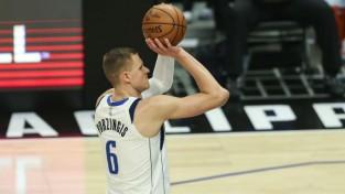 """Porziņģim 18 vietu kritums """"Sports Illustrated"""" ikgadējā NBA spēlētāju rangā"""