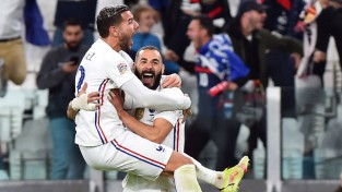 Francija fantastiskā pusfinālā atspēlējas no 0:2 un galotnē salauž beļģu sirdis