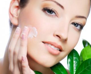 Vērtīgi padomi ādas kopšanai vasarā