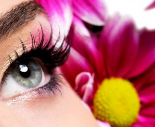 Ciešat no acu alerģijas? Pārbaudiet savu tušu!