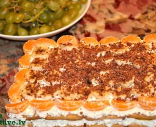 Selgas cepumu torte ar biezpienu un augļiem