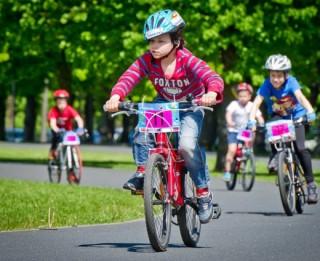 Rīgas bērnus un jauniešus vasarā aicina iesaistīties brīvā laika aktivitātēs