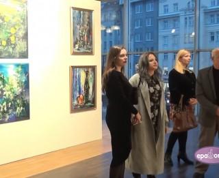 Video: Dailes teātra mākslas telpā atklāta gleznotāja Daiļa Rožlapas izstāde