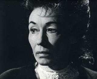 Latvijas vecākajai aktrisei Hildai Žīgurei – 100