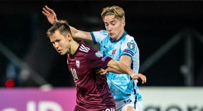 Jānis Ikaunieks šomēnes trīs spēles Latvijas izlasē aizvadījis ar lauztu pirkstu