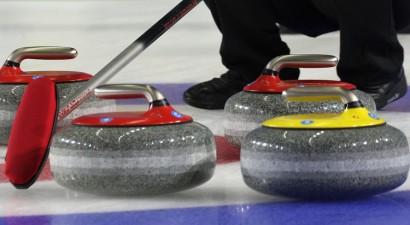 Latvijas vīriešu kērlinga izlase OS priekškvalifikācijas turnīru sāk ar uzvaru