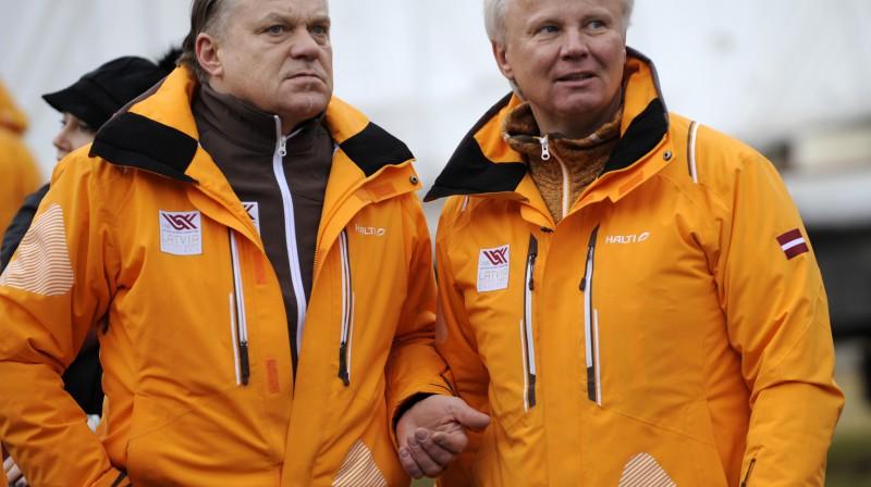 Zintis Ekmanis un Jānis Kols  Foto: Romāns Kokšarovs, Sporta Avīze, F64