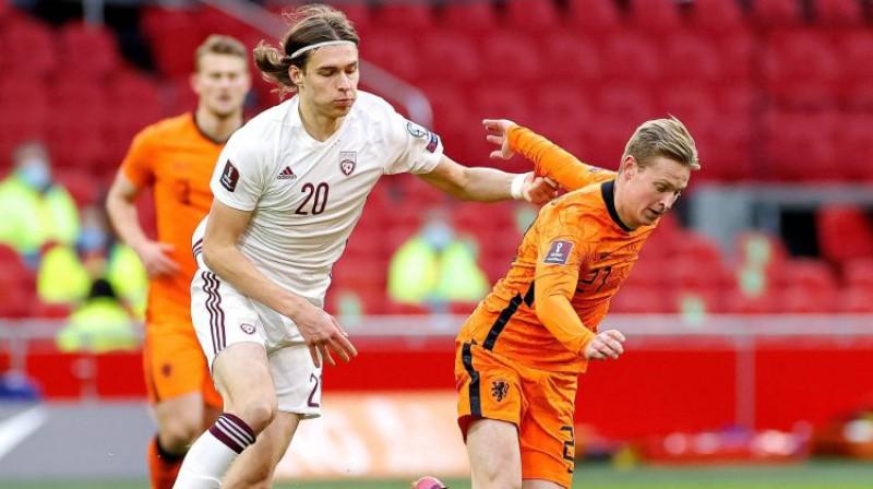 Roberts Uldriķis spēlē pret Nīderlandi. Foto: imago images/Pro Shots/Scanpix