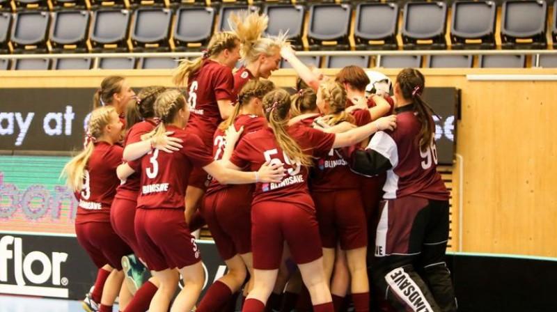 Latvijas U-19 sieviešu izlase Foto: Floorball.lv