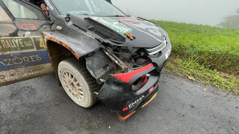 Alekseja Lukjaņuka mašīnas bojājumi pēc avārijas. Foto: ewrc-results.com