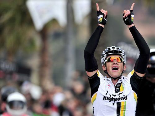 Smukulis triumfē Katalonijas velobrauciena pirmajā posmā