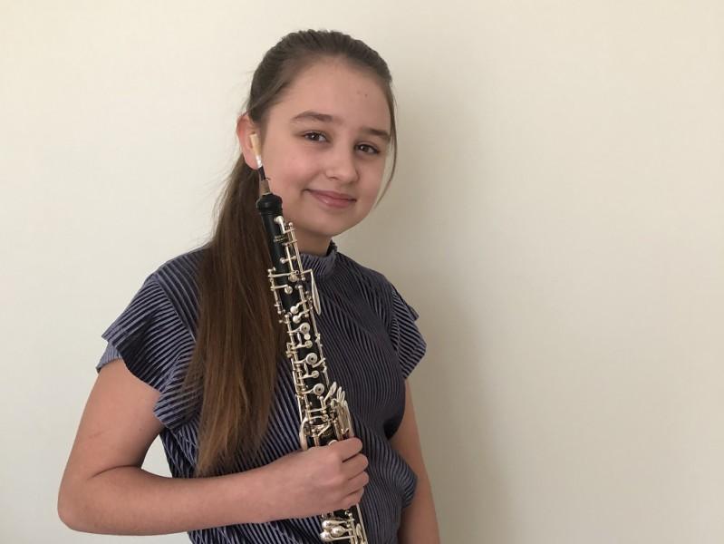 11 gadus veca obojiste no Latvijas saņem uzaicinājumu koncertēt Karnegija zālē