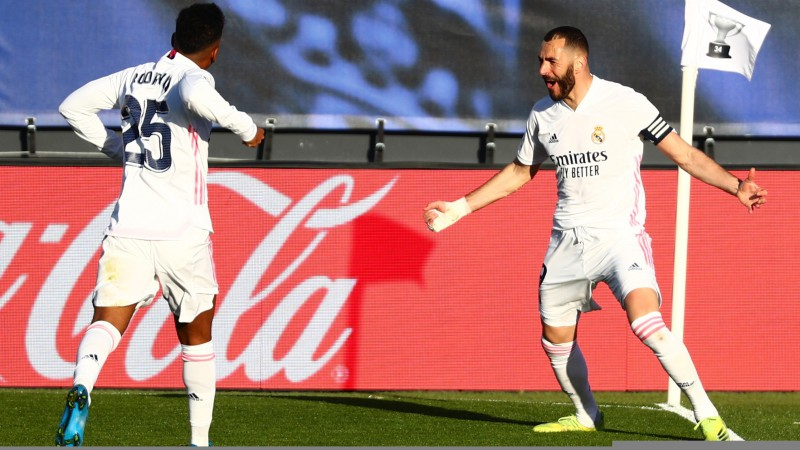 """Benzemā izrauj """"Real"""" uzvaru, """"Atletico"""" negūst vārtus un ļauj sev pietuvoties"""