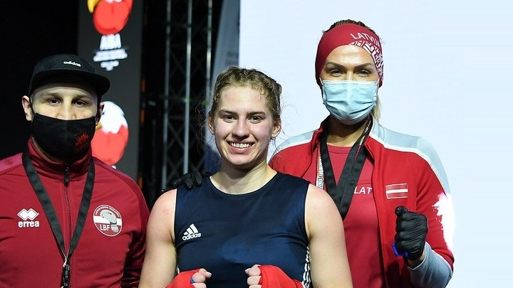 Boksere Rozentāle izcīna U19 PČ bronzas medaļu, neskatoties uz savainojumiem