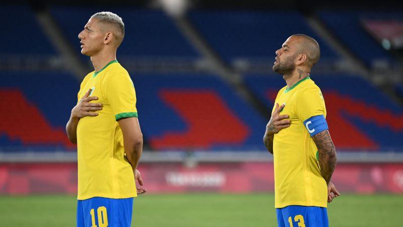 Tokijas olimpisko spēļu futbola turnīra finālā Brazīlija tiksies ar Spāniju
