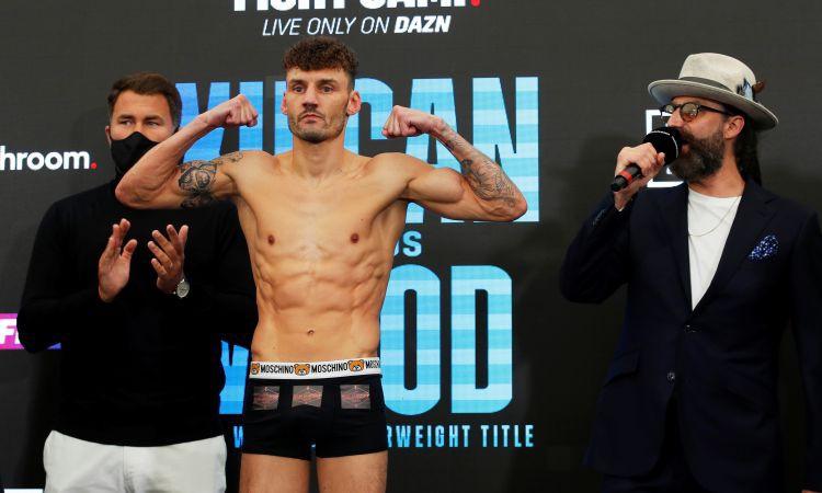 Vuds pārsteidz un ar tehnisko nokautu izcīna WBA titulu pusvieglajā svarā