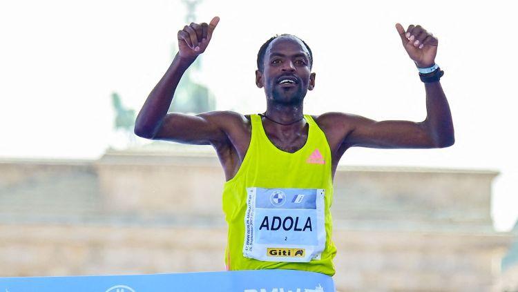Berlīnes maratonā uzvar etiopietis Adola